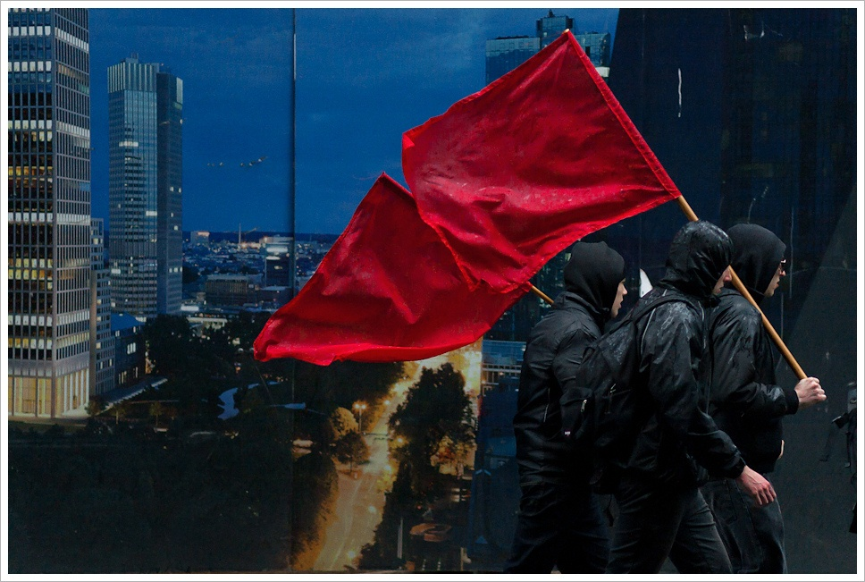 government contract RFP red flags